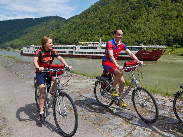 Cycling Holidays - Bike & Barge: The Danube - Passau - Budapest