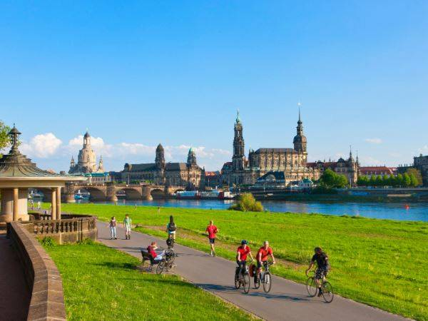 Elbe Cycle Path: Dresden to Dessau